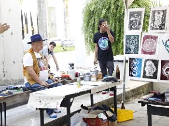 อ.อินสนธิ์ วงศ์สาม ศิลปินแห่งชาติให้เกียรติเข้าร่วมกิจกรรมกับนักเรียนจิตรกรรมที่มูลนิธิหอพระธรรมบารมี