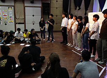 ศิลปกรรม จัดอบรมปีที่ 2 วิทยากรศูนย์จิตตปัญญาฯ ปรับทัศนคติใหม่ รุ่นพี่สโมฯ เตรียมรับน้องอย่างสร้างสรรค์ 62