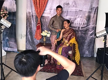 Visual Communication Design arranging retro photography booths and Thai dress rental for tourists in the 160th anniversary of Phra Nakhon Khiri