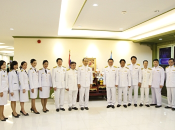 SSRU held a blessing ceremony on the birthday of Her Majesty Queen Sirikit The Queen Mother. Dean of FAR attended the ceremony.